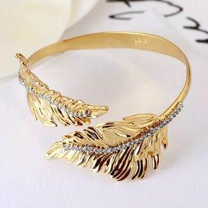 ✂️ALEXIS BITTAR Crystal Gold Leaf Cuff Bracelet